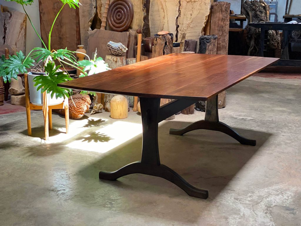 Benedict Canyon Table